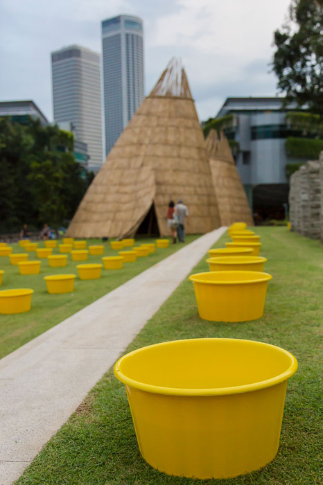 ...and set them up on the lawn of National Museum of Singapore. Photo by Shirley Ng. All Rights Reserved.